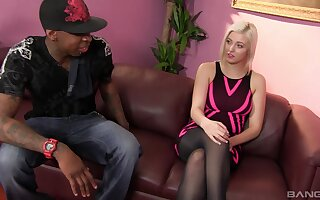 Hardcore interracial fucking with hot pest blondie Jenna Pale-complexioned