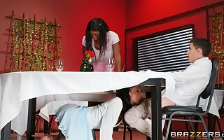 Eatery orgy with Alexis Tae & Ebony Mystique